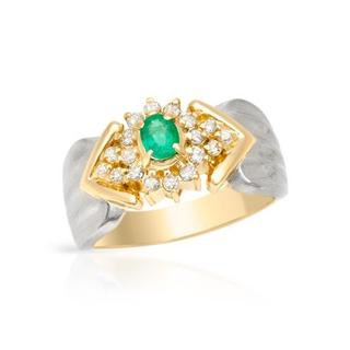 18k Gold and Platinum 0 1/2ct TW diamond and Emerald Ring