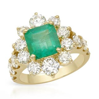 Cocktail Ring with 4.92ct TGW of Diamonds and Emerald in 14K Yellow Gold