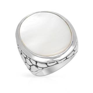 Ring with Mother Of Pearl .925 Sterling Silver