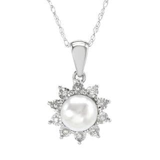 Necklace with Diamonds/ 60mmFreshwater Pearl in White Gold
