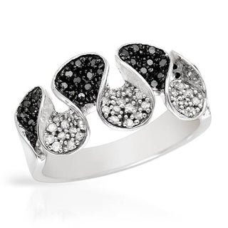Ring with 0.6ct TW Diamonds in White Gold