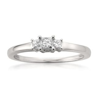14k White Gold 1/5ct TDW Three-stone Princess-cut Diamond Ring (H-I, I1-I2)