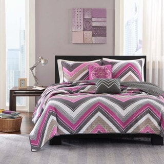 Intelligent Design Jada Coverlet Set
