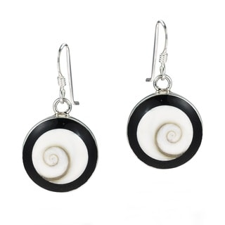 Round Swirl Shiva Shell Black Frame 925 Silver Earrings (Thailand)