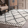 nuLOOM Hand-knotted Moroccan Trellis Natural Shag Wool Rug (10' x 14')