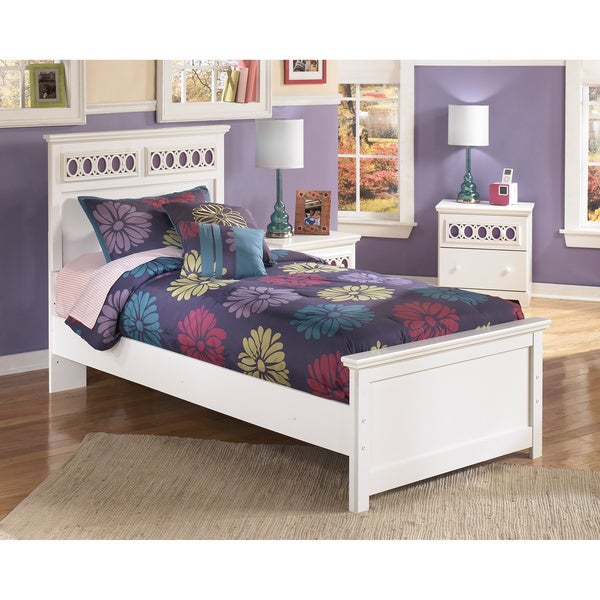 Signature Design by Ashley Zayley White Panel Bed
