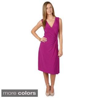 Timeless Comfort by Journee Women's Sleeveless V-neck Dress
