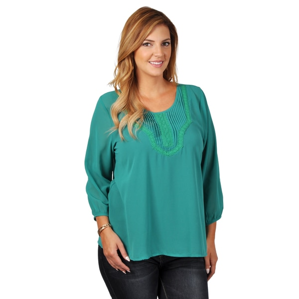 Tressa Collection Women's Plus Pleated Chiffon Top