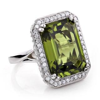 14k White Gold 13ct TGW Peridot and 1 3/4ct TDW Diamond Cocktail Ring (G-H, VS1-VS2)