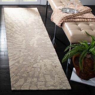 Safavieh Handmade Bella Winter Taupe Wool Rug (2'3 x 8')