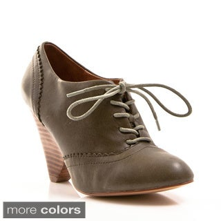 Nvy Women's 'Cristina' Lace-Up Closed-toe Oxford Pump