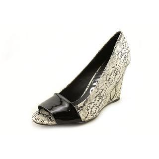 Kelsi Dagger Women's 'Fresh' Leather Dress Shoes
