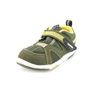 Smart Step walking shoes in white just for your little one. Ideal for little feet that are learning to walk. Cute leather shoes with lace up construction suitable for boys.