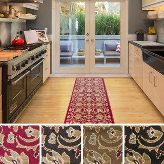 Meticulously Woven Fulton Traditional Polypropylene Runner (2' x 7'5)