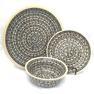 Polish Stoneware Black/ White Intricately Patterned 3-piece Place Setting (Poland)