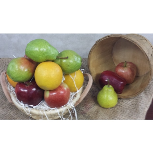 Medium Assorted Fruit Basket (12 Pounds)