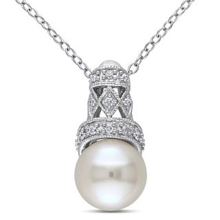 Miadora Sterling Silver Freshwater Pearl and Diamond Accent Necklace (9-9.5 mm)