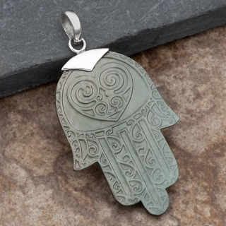 Sterling Silver Mother of Pearl 'Hamsa' Pendant (Thailand)