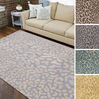 Hand-tufted Jungle Animal Print Wool Area Rug (5' x 8')