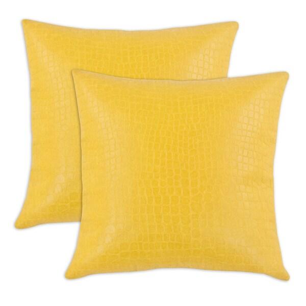 Glade Runner Yellow 17-inch KE Fiber Throw Pillow (Set of 2)