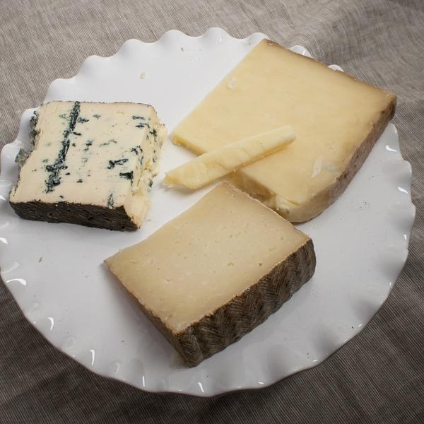 Zinfandel Cheese Assortment