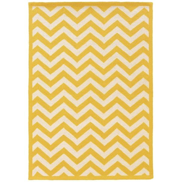 Linon Silhouette Chevron Stripe Yellow/ White Area Rug (1'10 x 2'10)