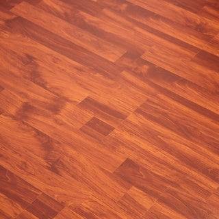 Kokols 8mm Embossed Amber Oak Flooring (25.83 sq ft)