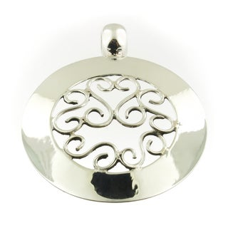 Handmade Polished Sterling Silver Swirls Round Pendant (Thailand)
