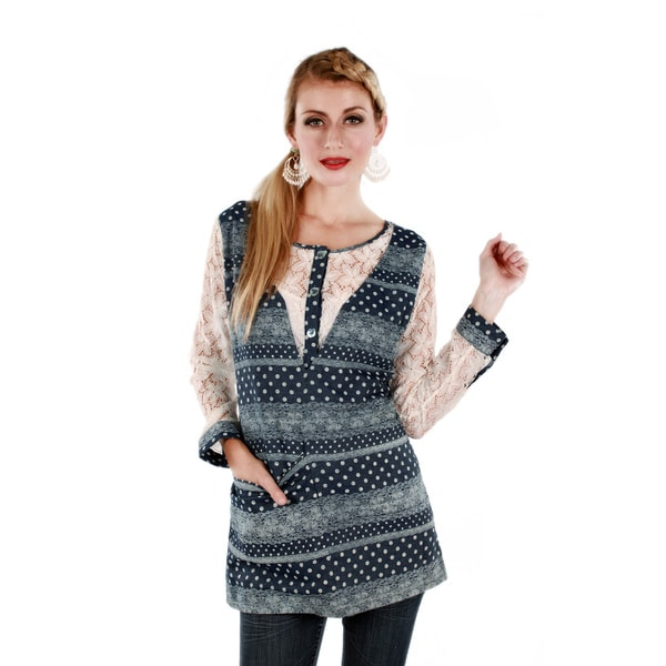 Firmiana Women's Blue/ White Polka-dot Long Sleeve Lace Top