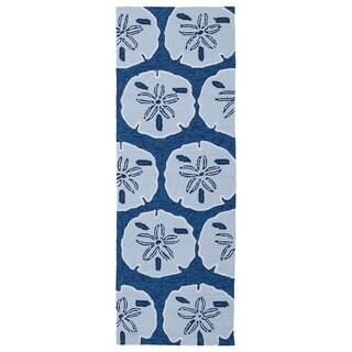 Indoor/ outdoor Luau Blue Sand Dollar Rug (2' x 6')