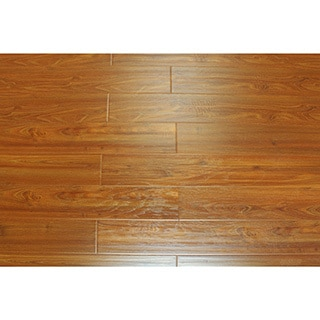 Kokol's 12 mm Laminate Tradtional Pine Flooring (21.25 sq ft)