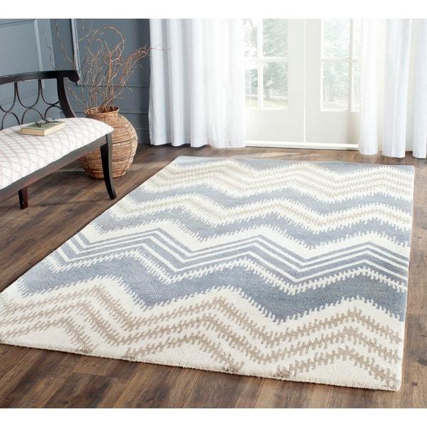 Safavieh Hand-Tufted Capri Blue/ Ivory Wool Rug (5' x 8')
