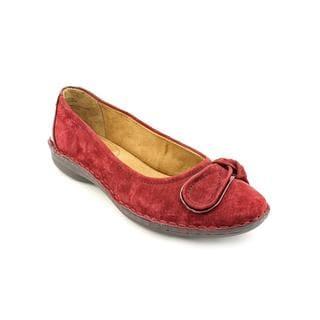 White Mountain Women's 'Lustre' Regular Suede Dress Shoes