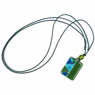 Green Zig-Zag Fused Glass Pendant Necklace (Chile)