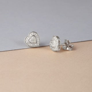 De Couer 10k White Gold 1/20 ct TDW Diamond Cluster Heart Earrings (H-I, I2)