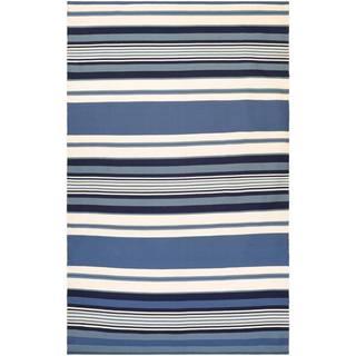 Hand-woven Couristan Grand Cayman Catamaran Ocean Blue/ Ivory Rug (8' x 10')