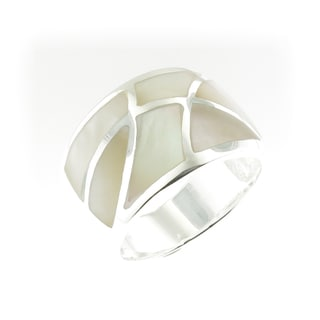 Handcrafted .925 Sterling Silver High Polish Mother of Pearl Ring (Thailand)
