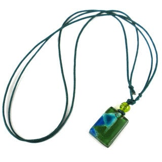 Green Zig-Zag Small Fused Glass Pendant Necklace (Chile)