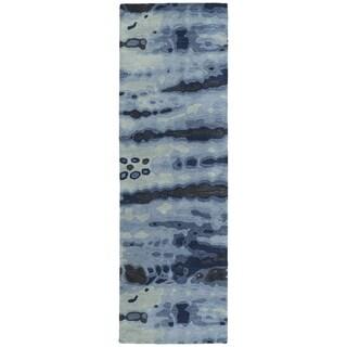 Hand-tufted Artworks Denim Tie-dye Rug (2'6 x 8')
