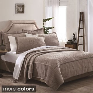 Vanderbilt 3-piece Velvet Embroidered Quilt Set