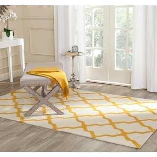 Safavieh Handmade Cambridge Ivory/ Gold Wool Rug (10' x 14')