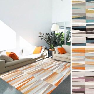 Hand-woven Torcy Flatweave Wool Rug (8' x 11')