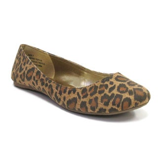 Olivia Miller Women's 'Zenya' Leopard Ballet Flats