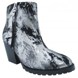 Olivia Miller Women's 'Dana' Chunky Heel Boots