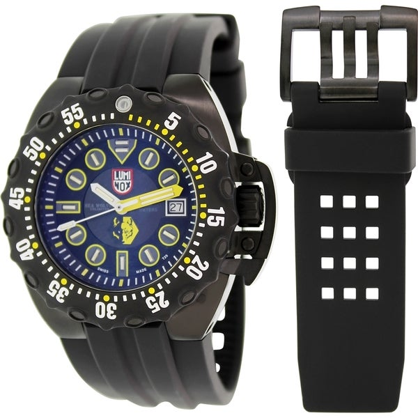 Luminox Men's Deep Dive 1526 Black Rubber Swiss Quartz Watch with Black Dial