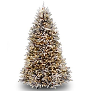 8-foot Dunhill Fir Hinged Tree with 800 Clear Lights