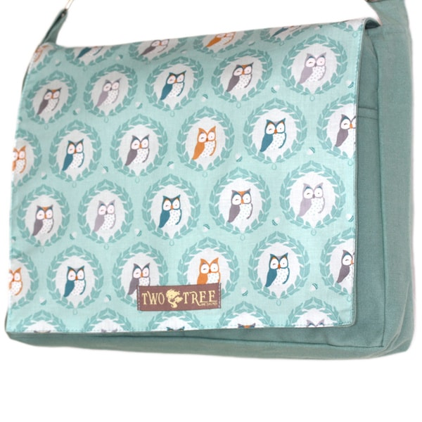 Handmade Medium Mint Owl Crest Messenger Bag