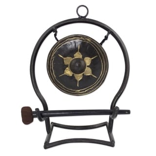 Handcrafted Iron Brass 'Thai Harmony' Gong (Medium) (Thailand)