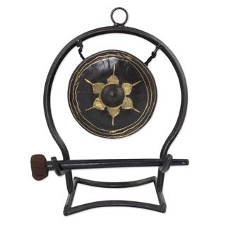 Handcrafted Iron Brass 'Thai Harmony' Gong (Medium) (Thailand)