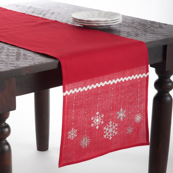 Snowflake Design Table Runner